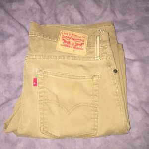 Levi's tan jeans size 33w and 32l